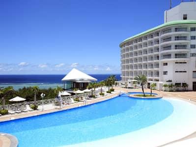沖縄かりゆしビーチリゾートのプール